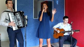 Wonderful Nostalgic French Jazz Trio with Female Singer and Accordion - Dubai Entertainers