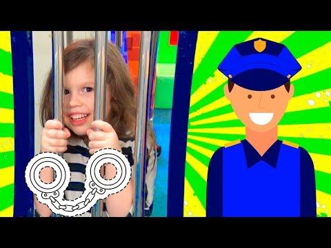 Police Agnes Pretend Play w Playhouse Police station