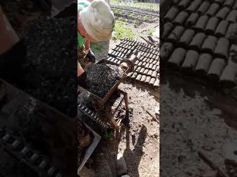 Топливные брикеты из навоза в домашних условиях видео