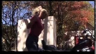 Thys die Bosveldklong - In Die Middel (Official Video)