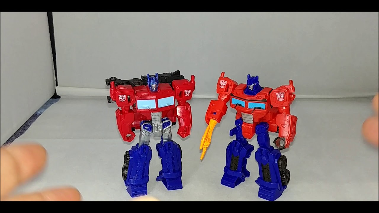 REVIEW - Cyberverse Scout Class Scraplet and Optimus Prime Transformers