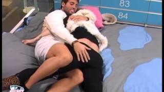 Repeat youtube video Jéssica e Cláudio - Palmadas e Brincadeiras no quarto azul (dia 06-12-2012)