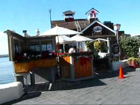 San Diego: Walking at the Waterfront @ Seaport Village