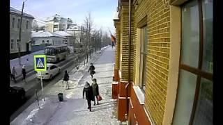 В Кинешме на улице Ленина сбили двух девушек. ДТП