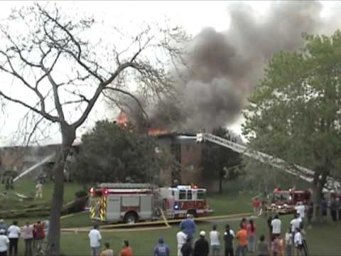 Rolling Meadows Extra Alarm Fire at Twelve Oaks at Woodfield