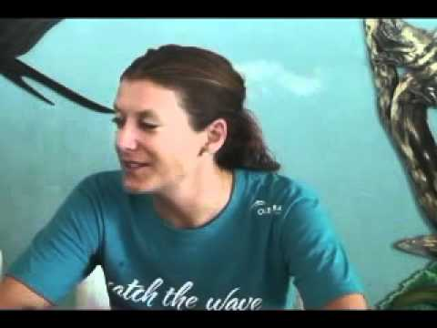 Hollywood actress Kate Walsh explores Belize's marine habitat