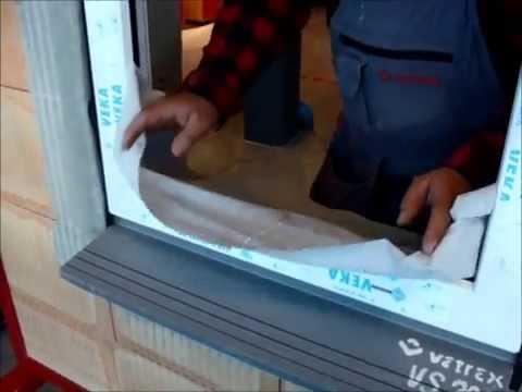 Mocowanie progu okna w pustaku ceramicznych z wykorzystaniem ciepłego parapetu i szyny V Knelsena