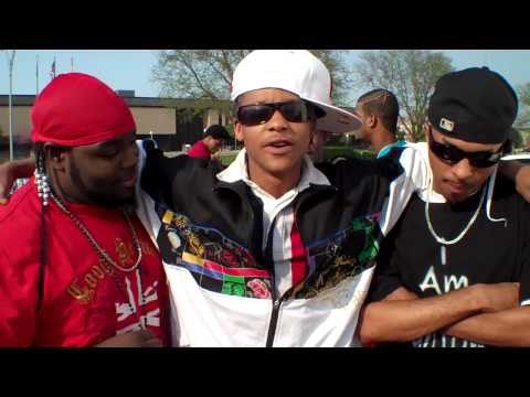 ICT hip-hop rappers outside The Grind with Jiggy in Salina, KS  04/17/10