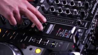 Tip 4: The 'Slip Roll' effect - DJ Expo 2013