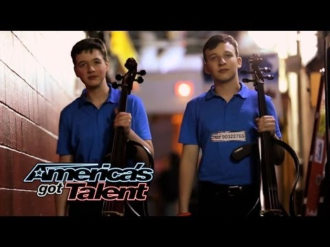 Emil & Dariel: Cello Players Rock With Jimi Hendrix Cover - America