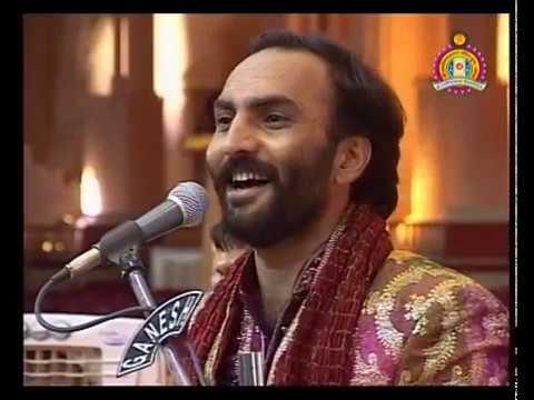Bhuj Nutan Mandir Mahotsav 2010 - Satsang Hasyraras Sairam Dave Part 2 Of 2
