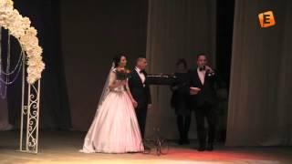 Бракосочетание на сцене солигорского Дворца культуры