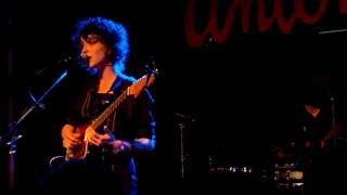 "St. Vincent ""Save Me From What I Want"" live @ SXSW 2009"
