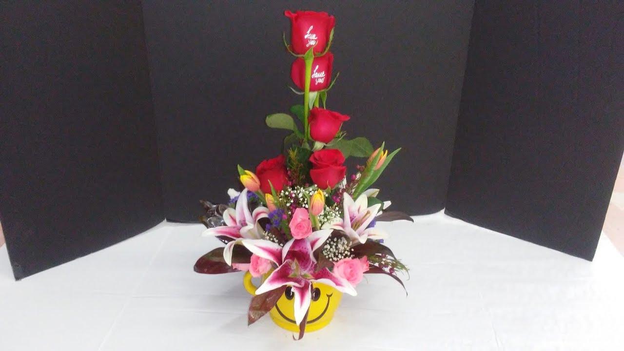 Aprende A Hacer Un Arreglo Floral Elegante En Una Carita Feliz A Todos Les Encantará