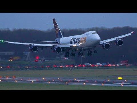 STORM! BOEING 747 ATLAS Rocking Approach.