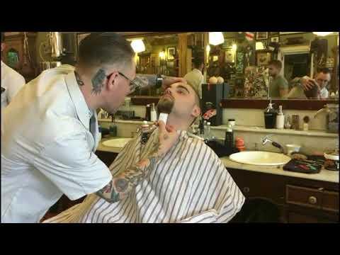 Scheren Bij De Beroemdste Barbier In Nederland (Schorem)