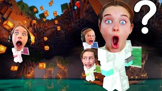 WHICH TEAM BUILDS THE BEST CAVE HOUSE in Minecraft Survival Gaming w/ The Norris Nuts