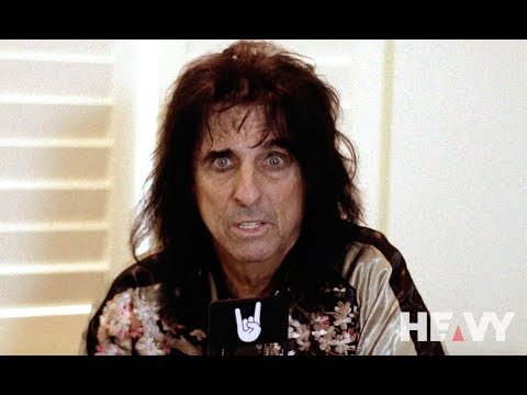 HEAVY TV Interviews Alice Cooper