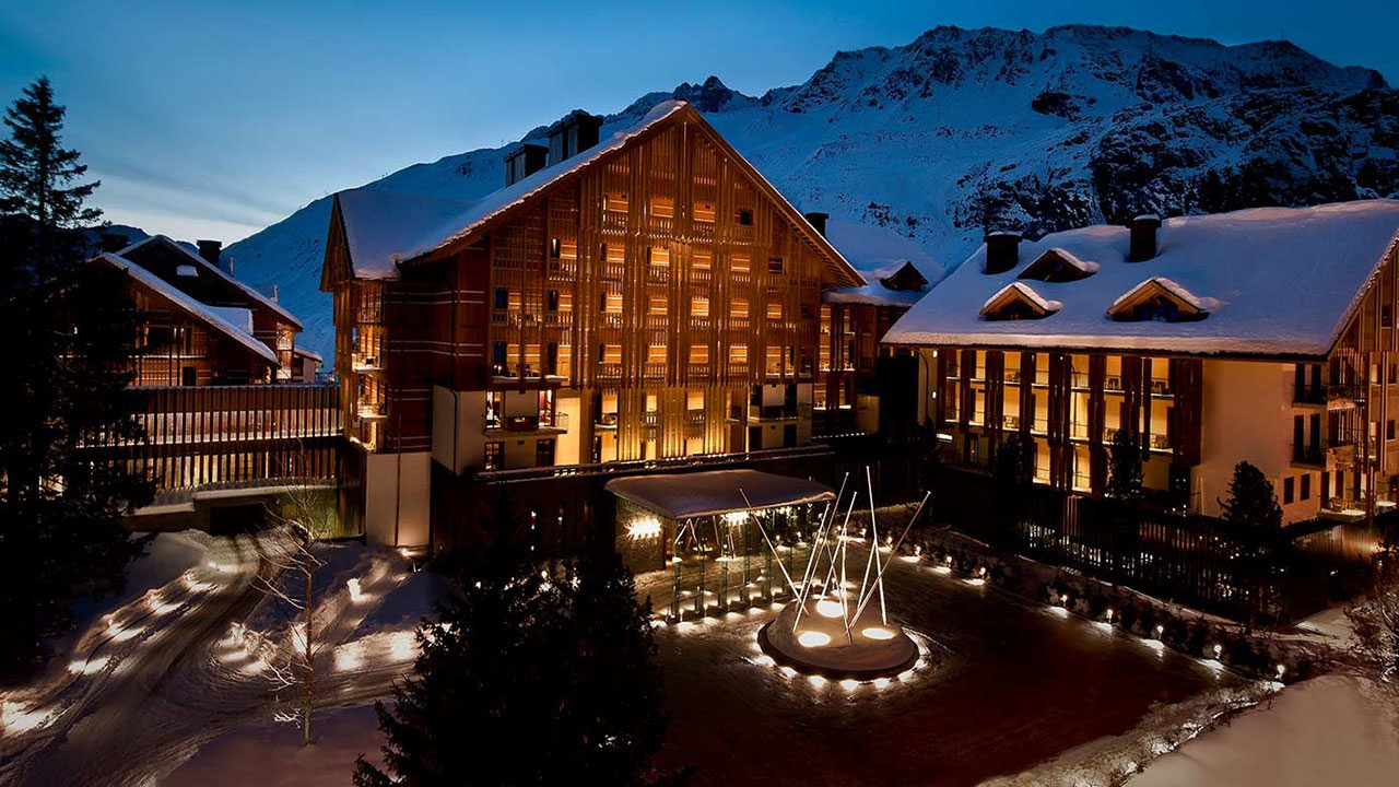 luxury ski resort at the chedi andermatt switzerland a. Black Bedroom Furniture Sets. Home Design Ideas