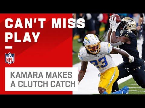 Alvin Kamara Makes a Clutch Bobbled Catch!