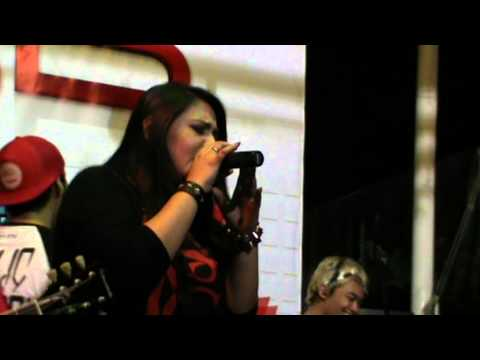 Brand New Eyes ft. Audy - Playing God   @ Old House Margo City