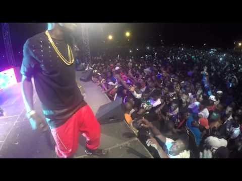 Shatta Wale - Controls the crowd in Gabon