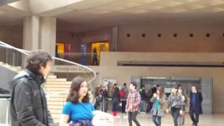Лувр цена билета на 2016 год - музей Лувра внутри, Париж(Обязательно посетите музей Лувра - Вы получите незабываемые впечатления от увиденного. Запланируйте целый..., 2016-03-10T22:03:55.000Z)