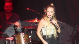 Danielle Bradbery - Friend Zone (Terminal 5 NYC)