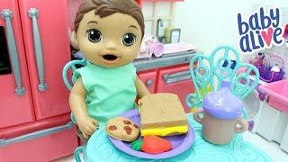 BABY ALIVE MENINO FELIPINHO TOMANDO CAFÉ DA MANHÃ DE MASSINHA PLAY DOH