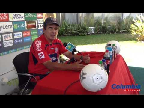 """Jorge Luis Pinto: """"Vamos a valorar si empieza el partido o no"""""""