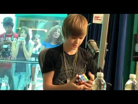 Justin Bieber Playing Rubiks Cube On Radio Disney Youtube