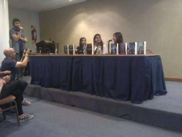 Presentación de SAGA AQUELARRE en ArgentinaComicCon, junto a Tiffany Caligaris
