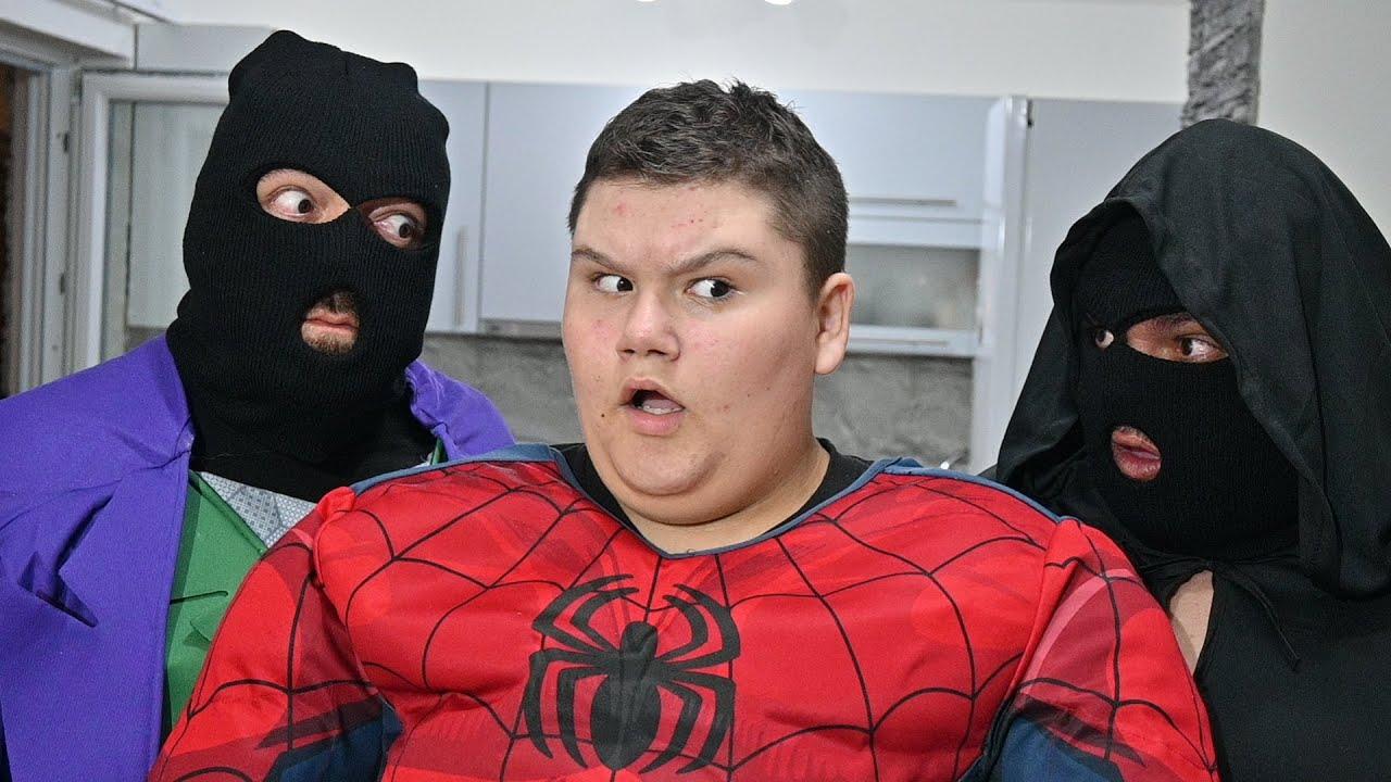 Superheroes VS Burglars