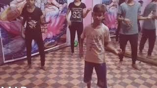 Raat kamal hai guru randhawa. ..dance practice choreography by mt
