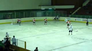 Този видеоклип е обществен. България - Австралия 1:0 Хокей на лед, младежи до 18год.(Този видеоклип е обществен. България - Австралия 1:0 Хокей на лед, младежи до 18год., 2014-03-26T20:34:28.000Z)