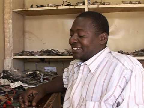 Mobile phones mean business for Burkina Faso handymen