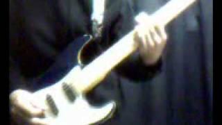 椎名へきるさんのAgainの一部分を弾いてみました。