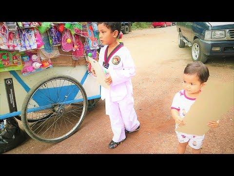 Vlog Bocah Imut Jemput Abang Sekolah \u0026Beli Mainan Gitar, Tembakan\u0026 Slime Di Pedagang Mainan Keliling