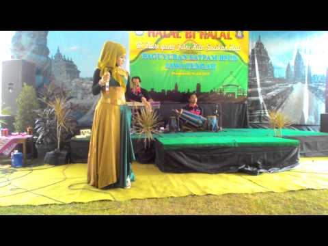 Dangdut Hijab koplo belahan rok terbuka Alifia Nada,Geye Entertainmen Paguyuban jogo selo