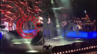 Sıla'ya hayran desteği - Adana'da Sıla'ya verdiği konserde yanına çağırıp şarkı söyle