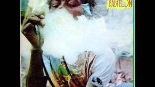 U Roy - Dread In A Babylon - 08 - Silver Bird