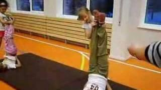 групповая работа на уроке физкультуры