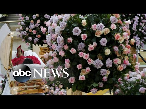 Fans flock to Detroit to pay final respects to Aretha Franklin