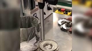 Dosador Sanctis para aplicação de PU em filtros para caminhões