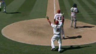 MLB: Figgins hits a walk-off single to win it