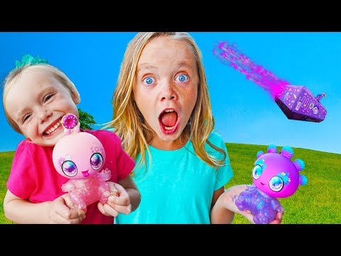 Goo Goo Galaxy Surprise Landing! Kids Fun TV!