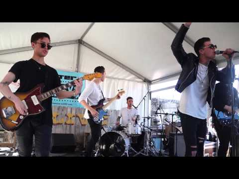 The Neighbourhood- Sweater Weather (live at SXSW 2013)