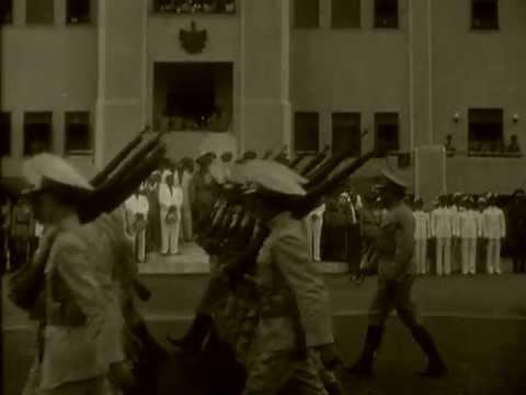 Fulgencio Batista llega en ferrocarril. Cuba (1943)