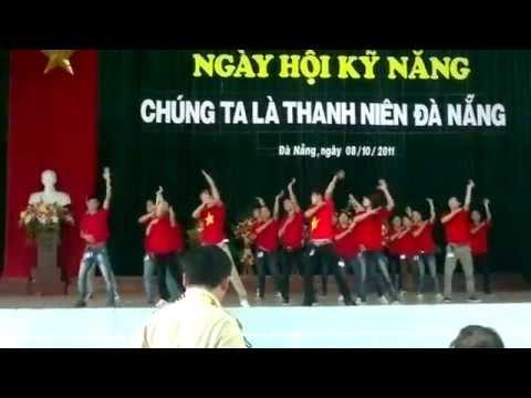 CLB Ánh Dương,,Đội Kỹ Năng Dân Vũ(Té Nước ,Run To You)