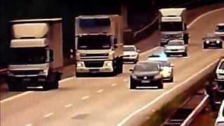 Autobahnpolizei im Einsatz - PKW bremst Polizeiwagen aus (14.07.2011)